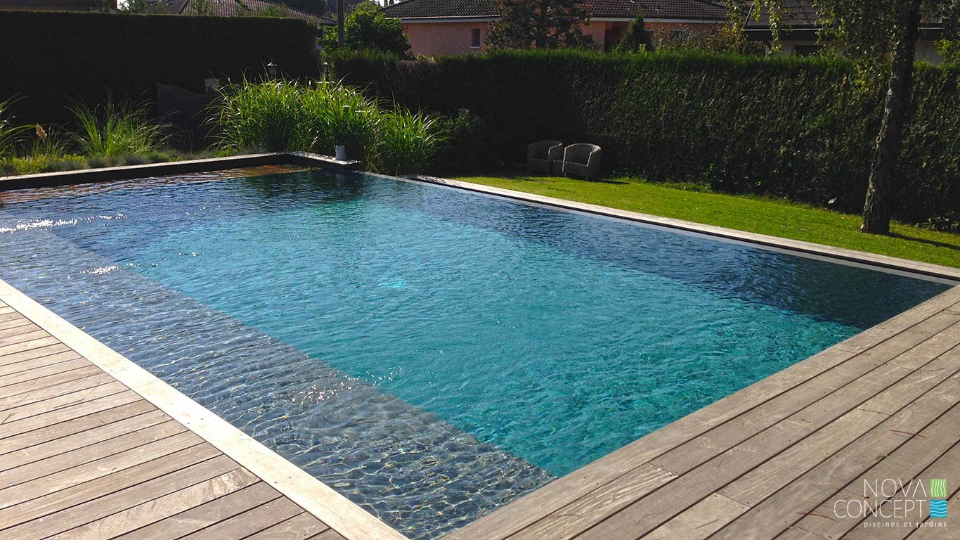 D bordement nova concept piscines et jardins sa for Piscines concept